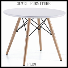 REPLICA CHARLES EAMES DINNING TABLE FOR KIDS TIMBER LEG