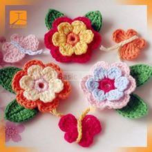 サテン生地manufacterビーチプレーンニットかぎ針編みの花刺繍入りクッション