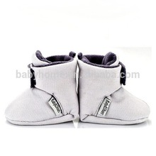 2014 High quality and hot sell animal style cute happy patterns for baby shoes