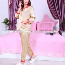 Mujeres Sexy pijama de seda, Pijamas de seda, Desgaste del sueño