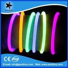 Party toy 5*200mm glow stick in dark bracelet lights