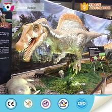 Exposição de equipamentos mecânicos simulação dinossauro spinosaurus