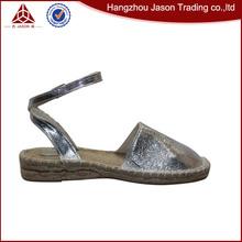 vente chaude chers personnalisé chaussures grande taille pour les femmes