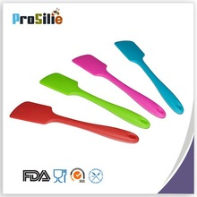 kitchen utensil Small size Overall coating silicone spatula with metal inside