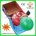 Helio- lleno de cilindros de gas de helio globo del tanque