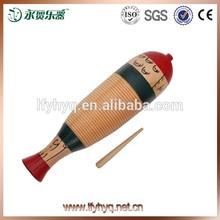 instrumento musical de corea forma de los peces grandes con guiro raspar de madera