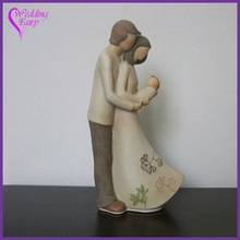 Best Selling Harmonius Family With Baby Wedding Couple Figurine Cake Topper