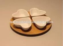 4 pezzi ciotola a forma di cuore piastra piastra snack con bambù stand