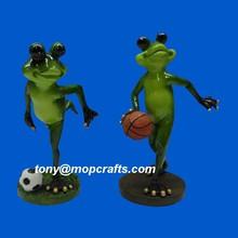 Polyresin funny frog playing basketball