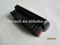 To-grade horse shoe brush of wood handle
