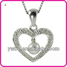 beautiful Cultured Freshwater Pearl with crystal Heart Pendant Necklace (A103279)