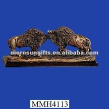 Decorative violent fighting cool resin buffalo figurine