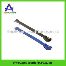 Adjustable plastic shoe horn