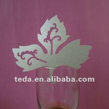 Maple leaf Design Wedding Favor Place Cards On Wine Glass