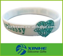 promotional heart bracelet silicone 2012 in gifts