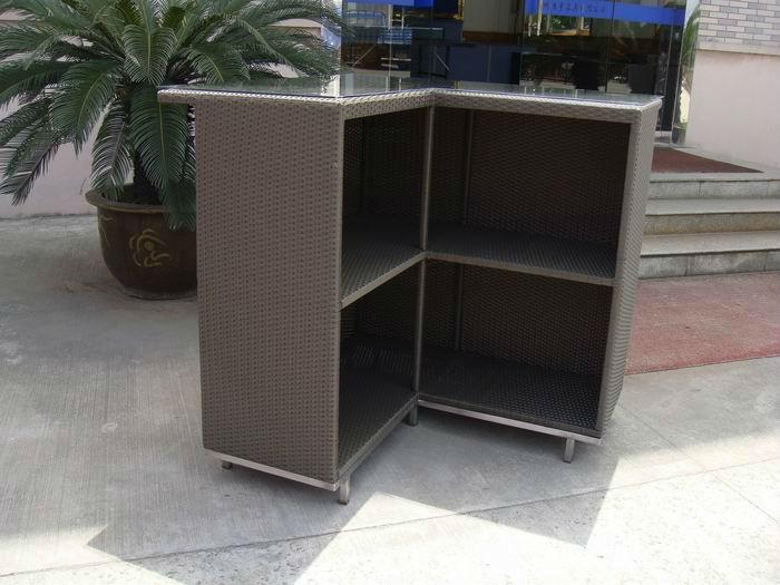 Angolo bar mobile tavoli all 39 aperto id prodotto 620836438 for Mobile angolo bar