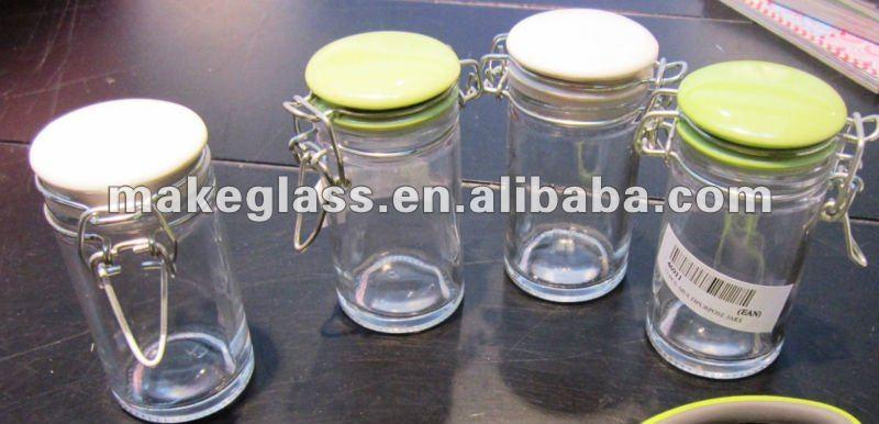 petite pices bocal en verre avec couvercle en c ramique. Black Bedroom Furniture Sets. Home Design Ideas