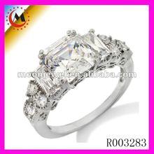 2012 POPULA BAGUETTE CUT DIAMOND RING JEWELRY