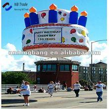 Publicité gonflable gâteau d'anniversaire