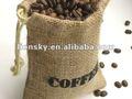 empacado de nueces, café, frijoles y cacahuates en bolsa de yute, saco de arpillería