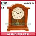 นกหัวขวานลูกตุ้มนาฬิกาไม้นาฬิกาโต๊ะที่ทันสมัยนาฬิกาตัวเลขอารบิก