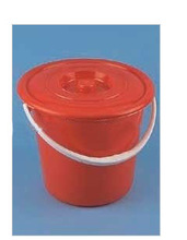 PLASTIC WATER BUCKET W/COVER