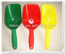 2013 High Quality Plastic Pet Scoop