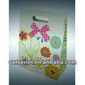 puntos de venta de la fábrica de papel bolsas de regalo con la cinta de manejar