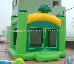 Frog inflatable bouncer house
