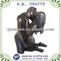 bronce besos pareja estatua estatuilla