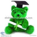 la graduación de la felpa oso de peluche