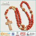 main pretty bois perles en bois chapelet croix collier chaîne