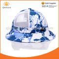 bebé fresa la tapa del cubo blanco sombreros una talla más