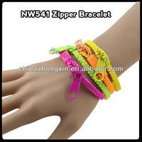 fashion plastic zipper wristband zipper bracelet