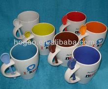 colorful edge and handle,bellied shape ceramic mug