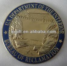 2013 New arrival golden color metal round souvenir badge emblem metal skull badge emblem