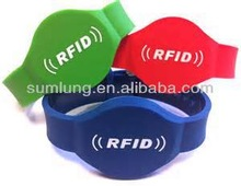 2012 latest Silicone RFID Wristband for swimming pool
