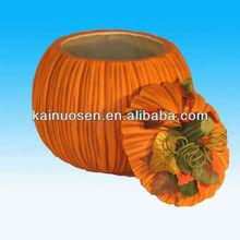 Matt surface ceramic halloween pumpkin with lid