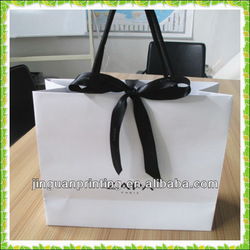 Luxury paper bag for suits