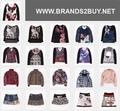 Jovens roupas da moda - vestuário de marca stocklot