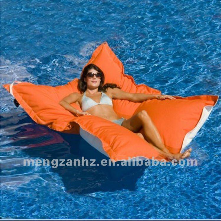 Extra grande  flutuante   224  prova d   225 gua do saco de feij  227 oModel Floating In Water