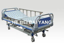 A-37 Three-function manual medical bed with ABS bed head