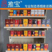 Plástico estante empujador para cigarrillos con divisor