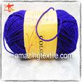 de la mano de hilo de tejer la cuerda