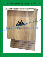 Natural Fir Wood Eco-friendly Wooden Bat House With Bark Roof 18*14*28cm