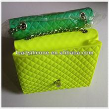 2013 new fashion silicone wallet bag