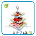 vidrio templado y pastel de frutas stand
