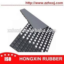Ceramic conveyor pulley friction lagging