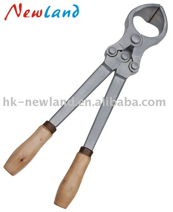 Castration Cutters http://hk-newland.en.alibaba.com/product/288780466-209826879/Bloodless_castration_tools.html