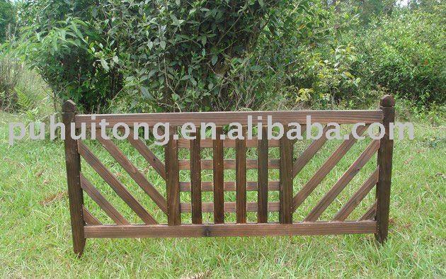 Barri re en bois de jardin cl tures treillis et portails for Barriere de jardin en bois